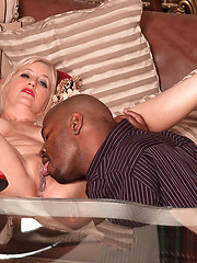 Black dude bangs white mature slut